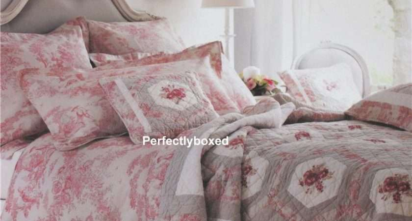 Red Toile Jouy Quilt Single Perfectlyboxed