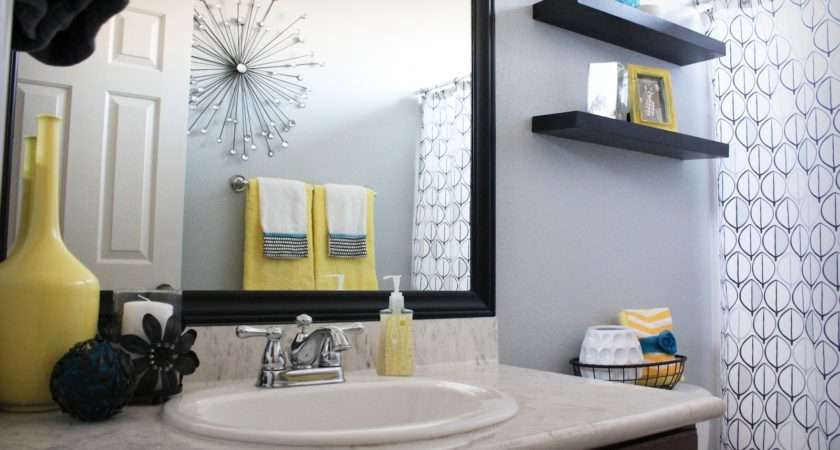 Retro Black White Gray Yellow Bathroom Decor