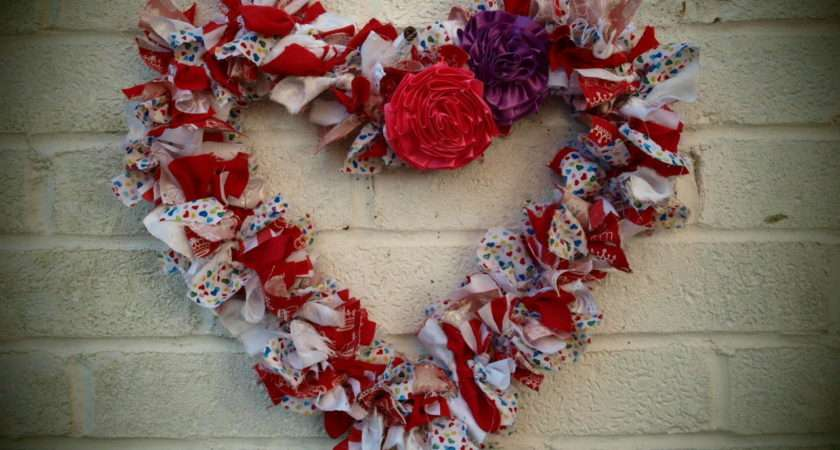 Scrap Fabric Heart Wreath Tutorial Blossomunique