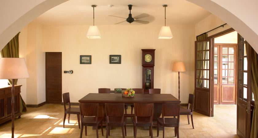 Simple Style Furnishing Small Dining Room