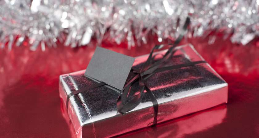 Single Wrapped Gift Ribbon Tinsel