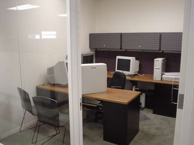 Small Modern Office Space Furniture Home Decorating