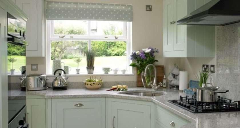 Soft Green Country Kitchen Ideas