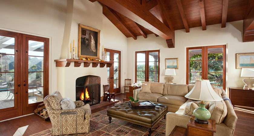 Spanish Style Living Room Facemasre