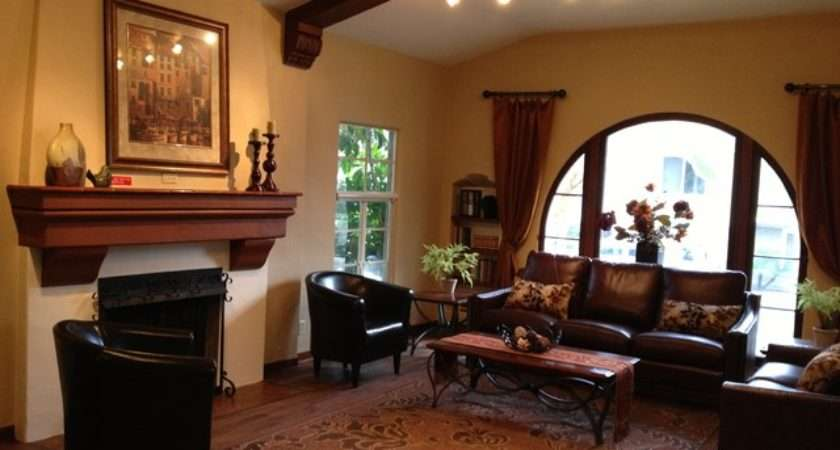 Spanish Style Traditional Living Room Los