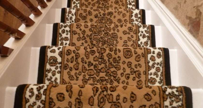 Stair Inspiring Straight Design Brown Printed