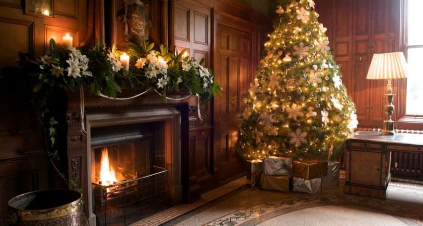 Stylish Living Room Fireplace Christmas Decoration