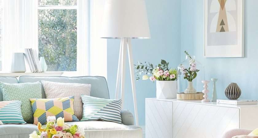 Summer Decoration Living Room Using Painting Trends