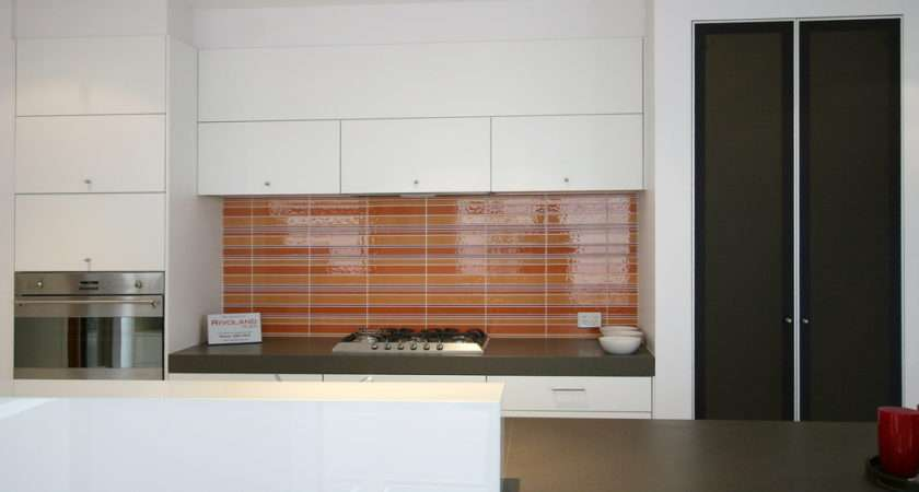 Tiles Splashback Can Complement Beautifully Contemporary Kitchen