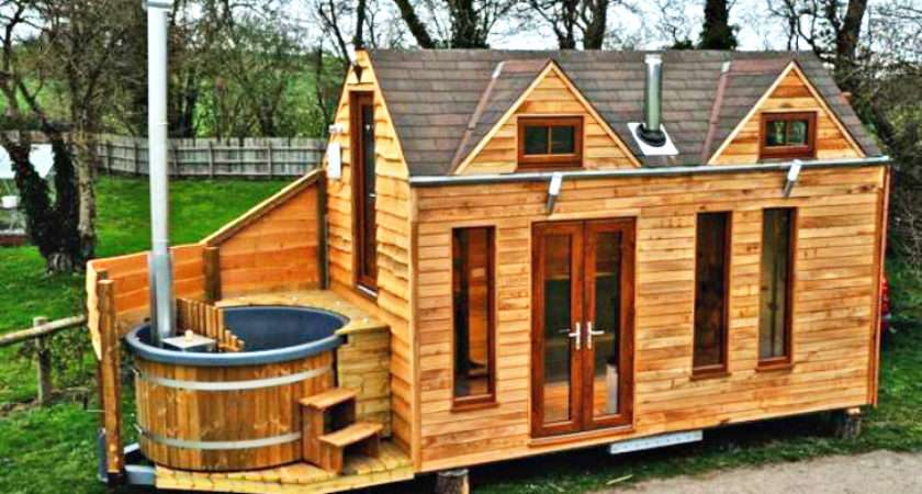 Tinywood Homes Come Their Own Hot Tubs