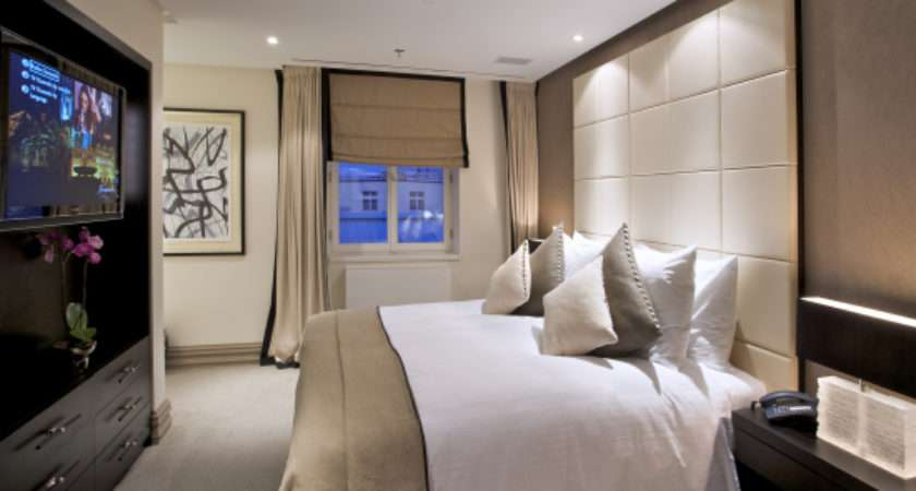 Tips Decorate Bedroom Like Best Hotel Room Design