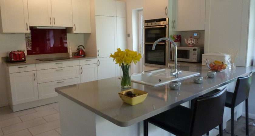 Toto Kitchen Java Matt White Doors Silestone