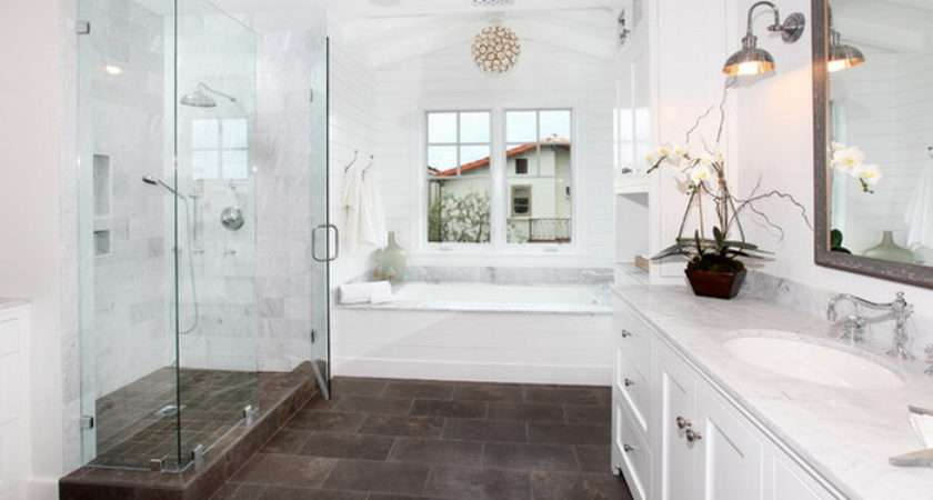 Traditional Bathroom Designs Give Royal Look