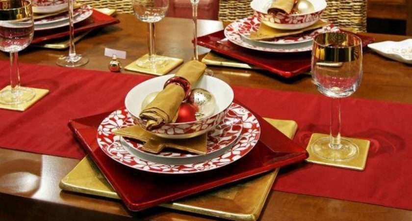 Traditional Chistmas Table Red Gold