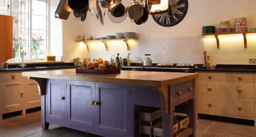 Traditional Style Kitchen Island Standing Unit