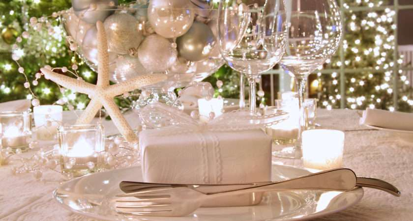 Trendy Christmas Dining Room Table Centerpieces