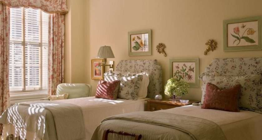 Twin Bedroom Decorating Ideas