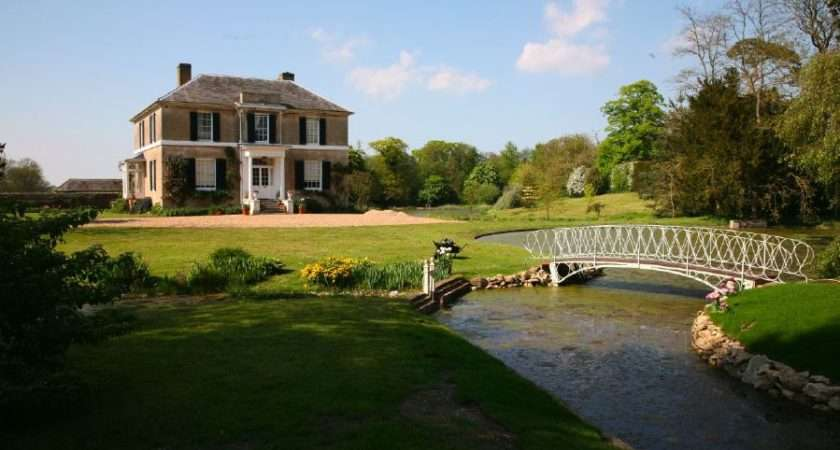 Two Lakes Overlooked Pretty Country House Location Partnership