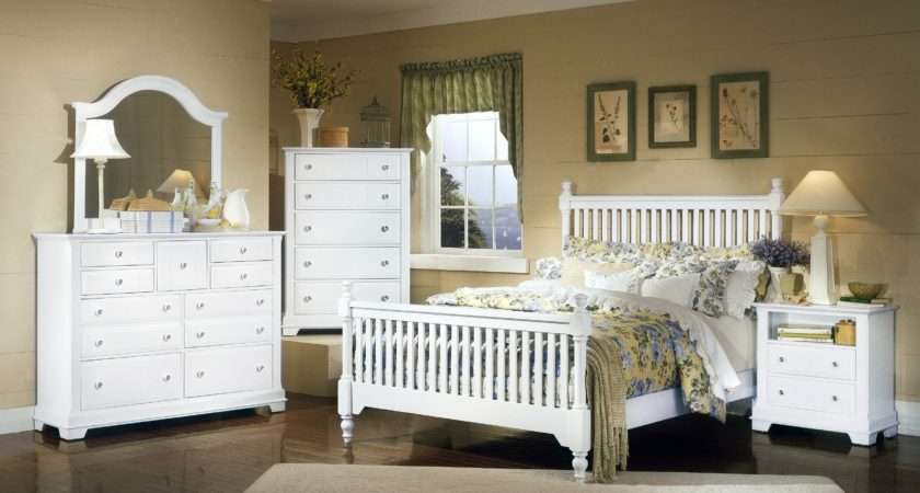 Vaughan Bassett Cottage White Bedroom Group