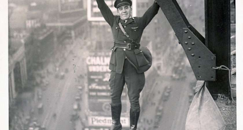 Very Odd Funny Vintage Photos Cannot Explained