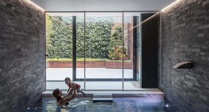 Victorian Remix London Home Extended Glass Box