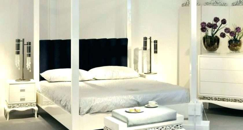 White Poster Bed Modern Wooden Four Double Paragonit