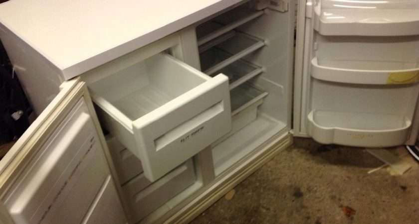 Zanussi Under Counter Fridge Freezer Side