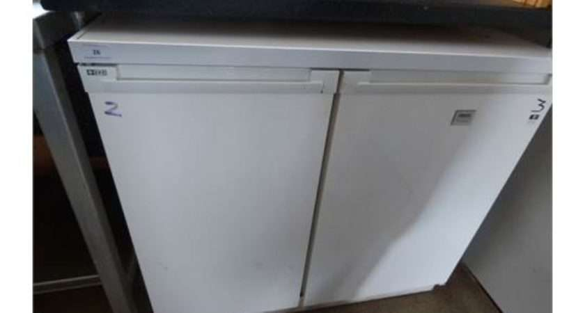Zanussi Under Counter Side Fridge Freezer